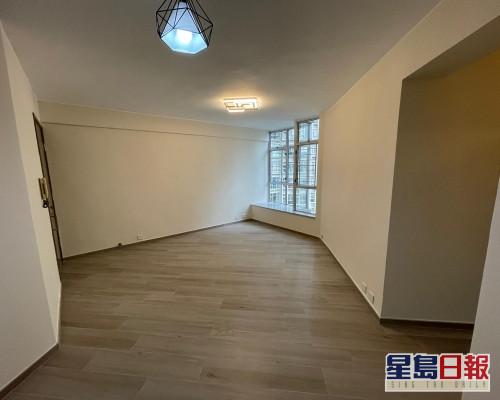 這是麗港城17座低層D室,實用面積687方呎。