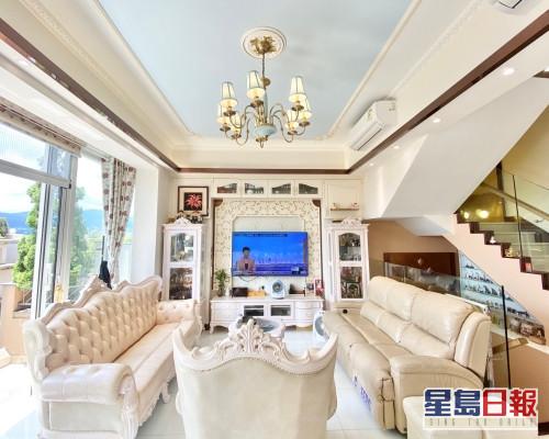 這是比華利山別墅萊茵道單號屋,實用面積2115方呎,一室歐陸設計。