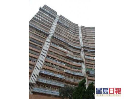 峰景大廈中層3房低市價10%沽