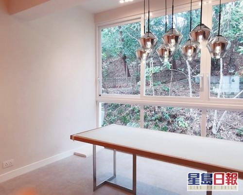 這是蘭馥園中層單位,實用面積1270方呎,屬3房1套間隔。