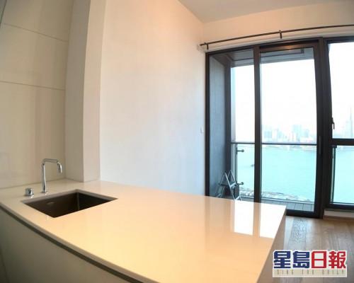這個尚匯中高層E室,實用面積342方呎。