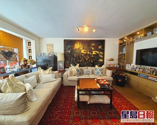 這是上洋村村屋,建築面積2100方呎,現同時放租及放賣。