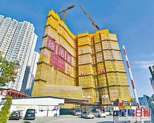 維港滙III高層戶以762萬易手,每方呎約2.7萬。
